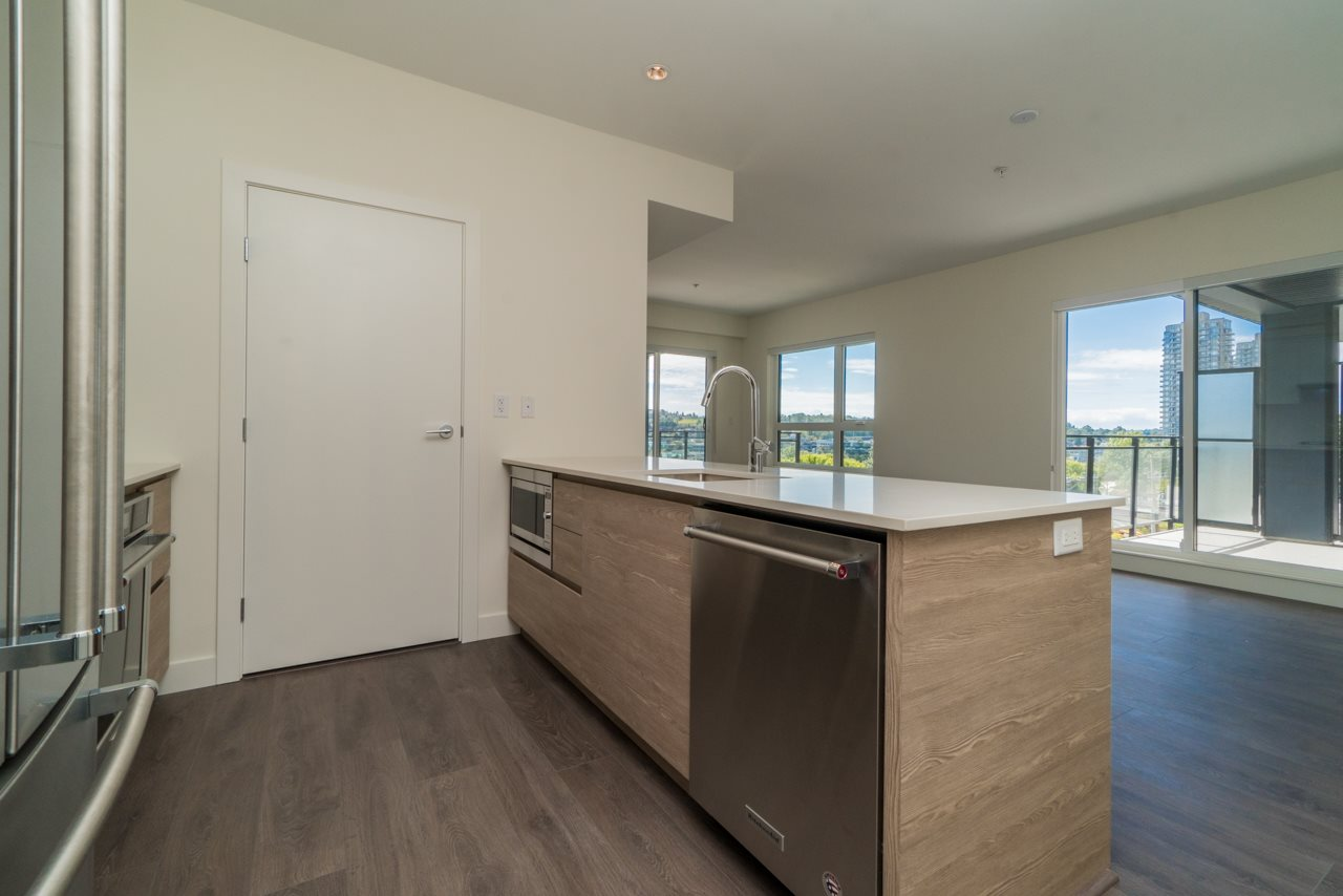 Condo Apartment at 411 4468 DAWSON STREET, Unit 411, Burnaby North, British Columbia. Image 5