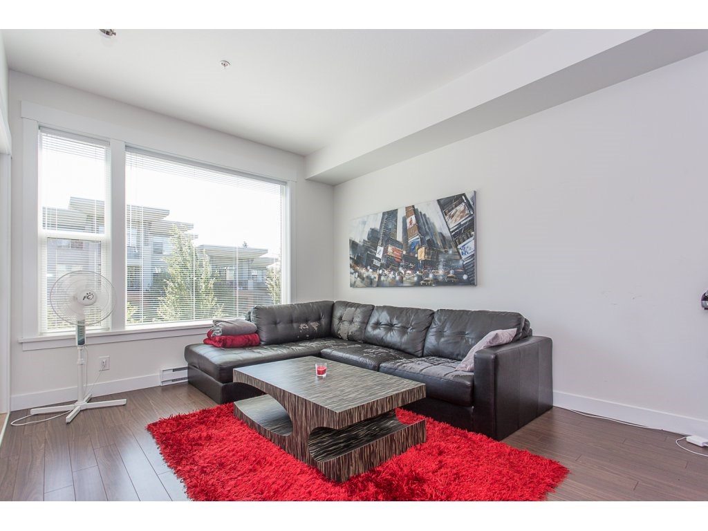 Condo Apartment at 309 33539 HOLLAND AVENUE, Unit 309, Abbotsford, British Columbia. Image 8