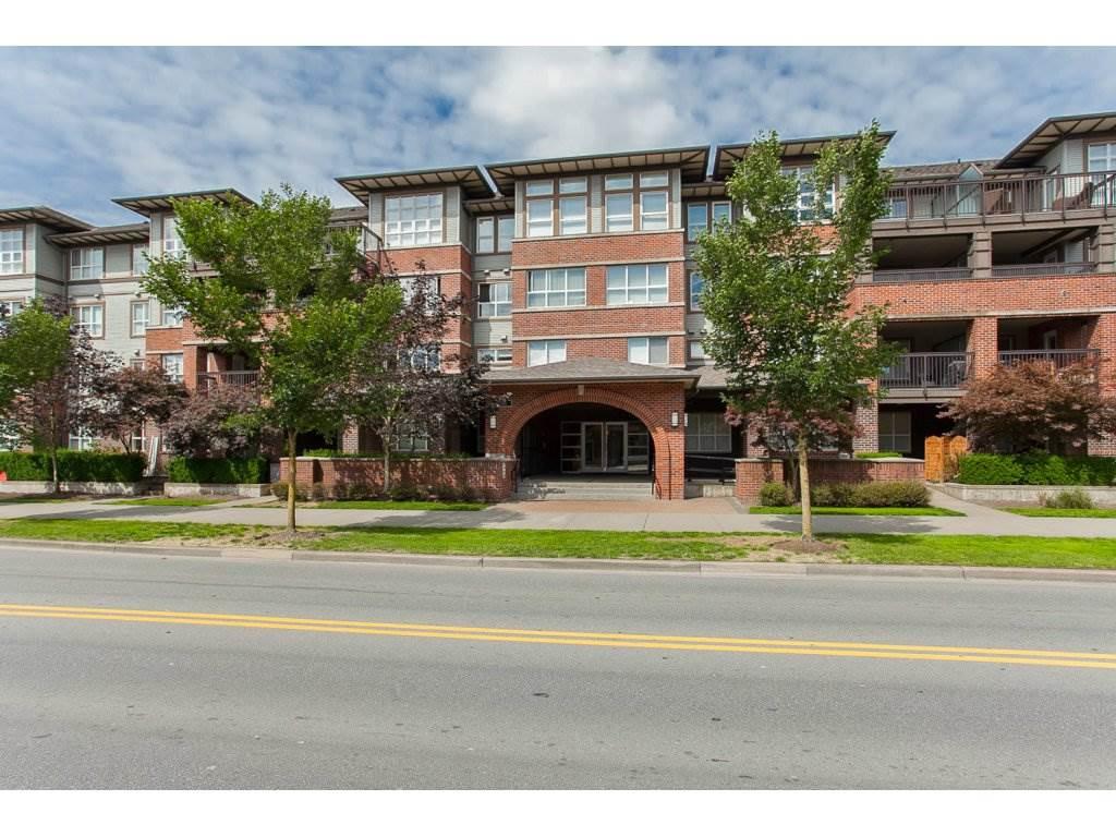 Condo Apartment at 203 6815 188TH STREET, Unit 203, Cloverdale, British Columbia. Image 2