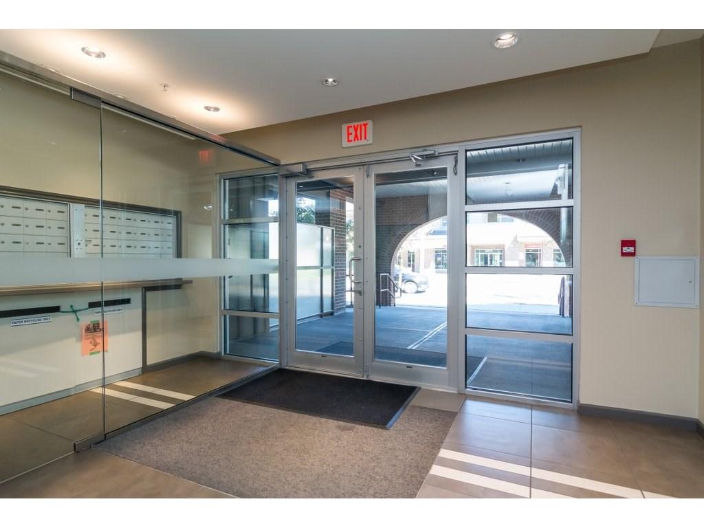 Condo Apartment at 203 6815 188TH STREET, Unit 203, Cloverdale, British Columbia. Image 3