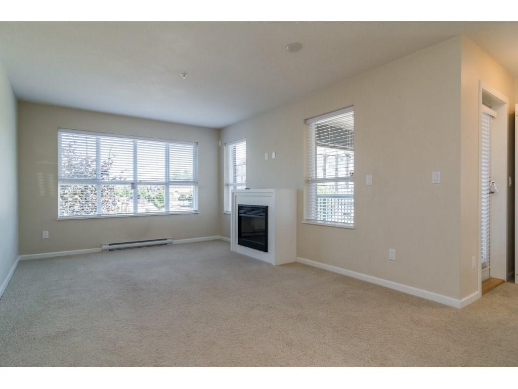 Condo Apartment at 203 6815 188TH STREET, Unit 203, Cloverdale, British Columbia. Image 8