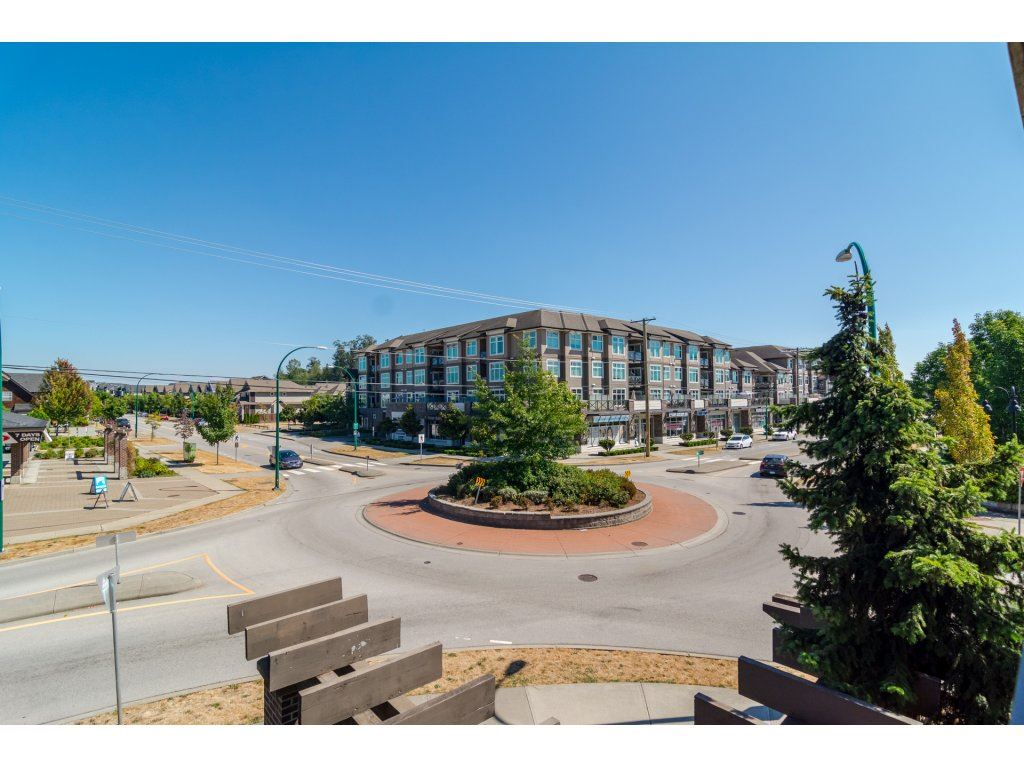 Condo Apartment at 203 6815 188TH STREET, Unit 203, Cloverdale, British Columbia. Image 19