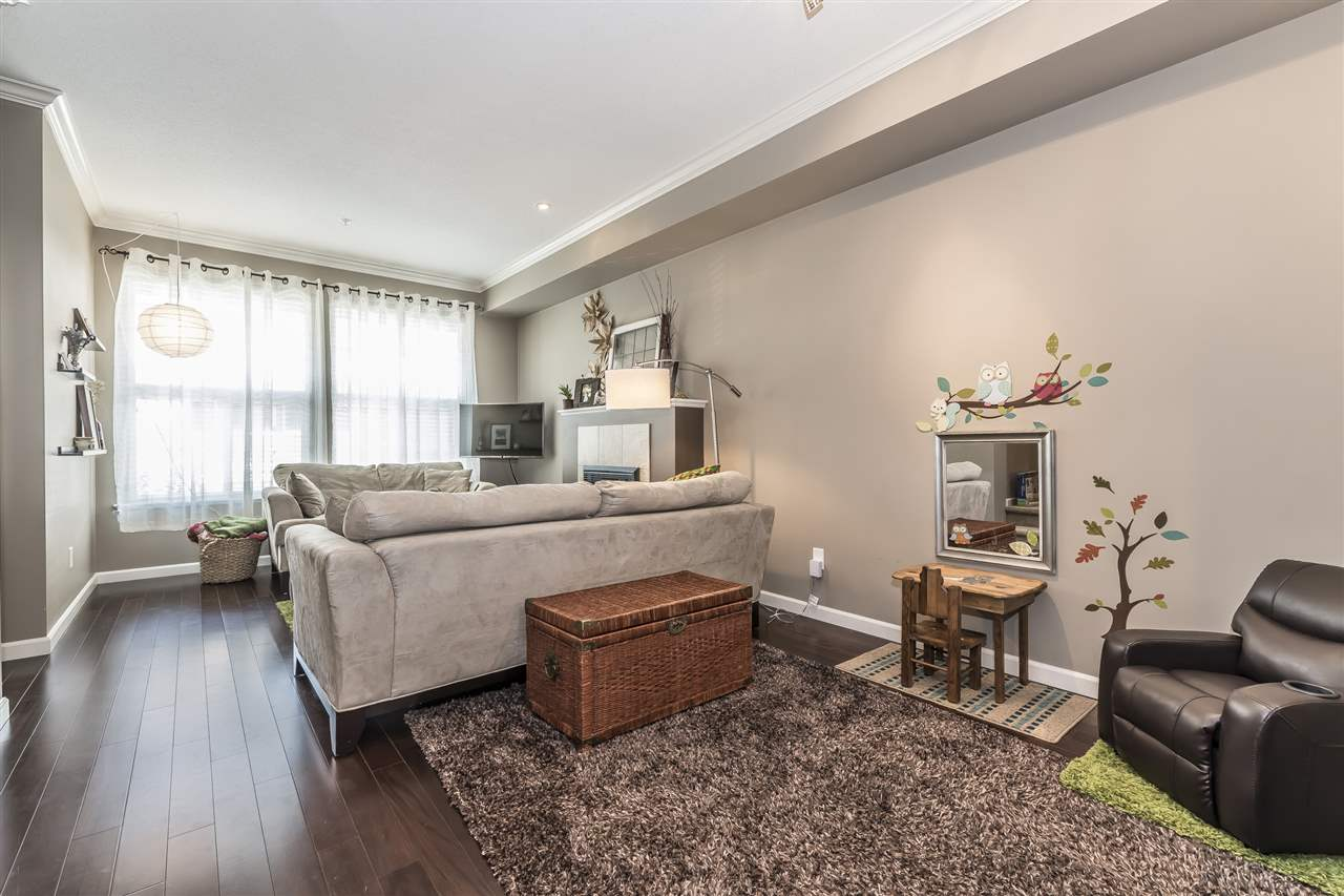 Townhouse at 20 20831 70 AVENUE, Unit 20, Langley, British Columbia. Image 5