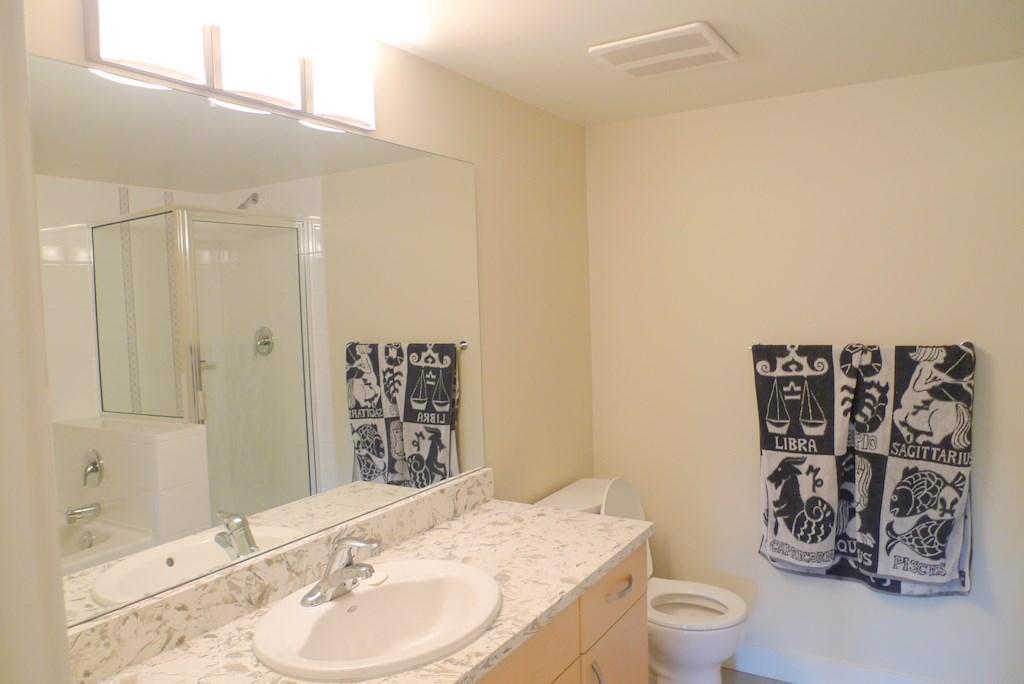 Condo Apartment at 352 10838 CITY PARKWAY, Unit 352, North Surrey, British Columbia. Image 9
