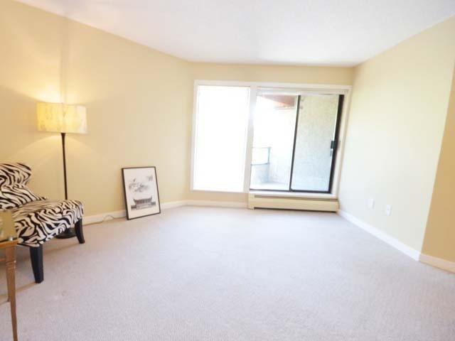 Condo Apartment at 226 8460 ACKROYD ROAD, Unit 226, Richmond, British Columbia. Image 3