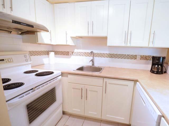 Condo Apartment at 226 8460 ACKROYD ROAD, Unit 226, Richmond, British Columbia. Image 5