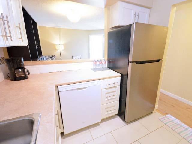 Condo Apartment at 226 8460 ACKROYD ROAD, Unit 226, Richmond, British Columbia. Image 6