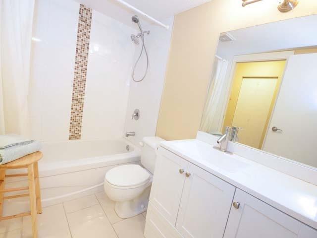 Condo Apartment at 226 8460 ACKROYD ROAD, Unit 226, Richmond, British Columbia. Image 9