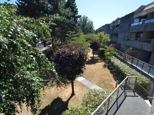 Condo Apartment at 226 8460 ACKROYD ROAD, Unit 226, Richmond, British Columbia. Image 14