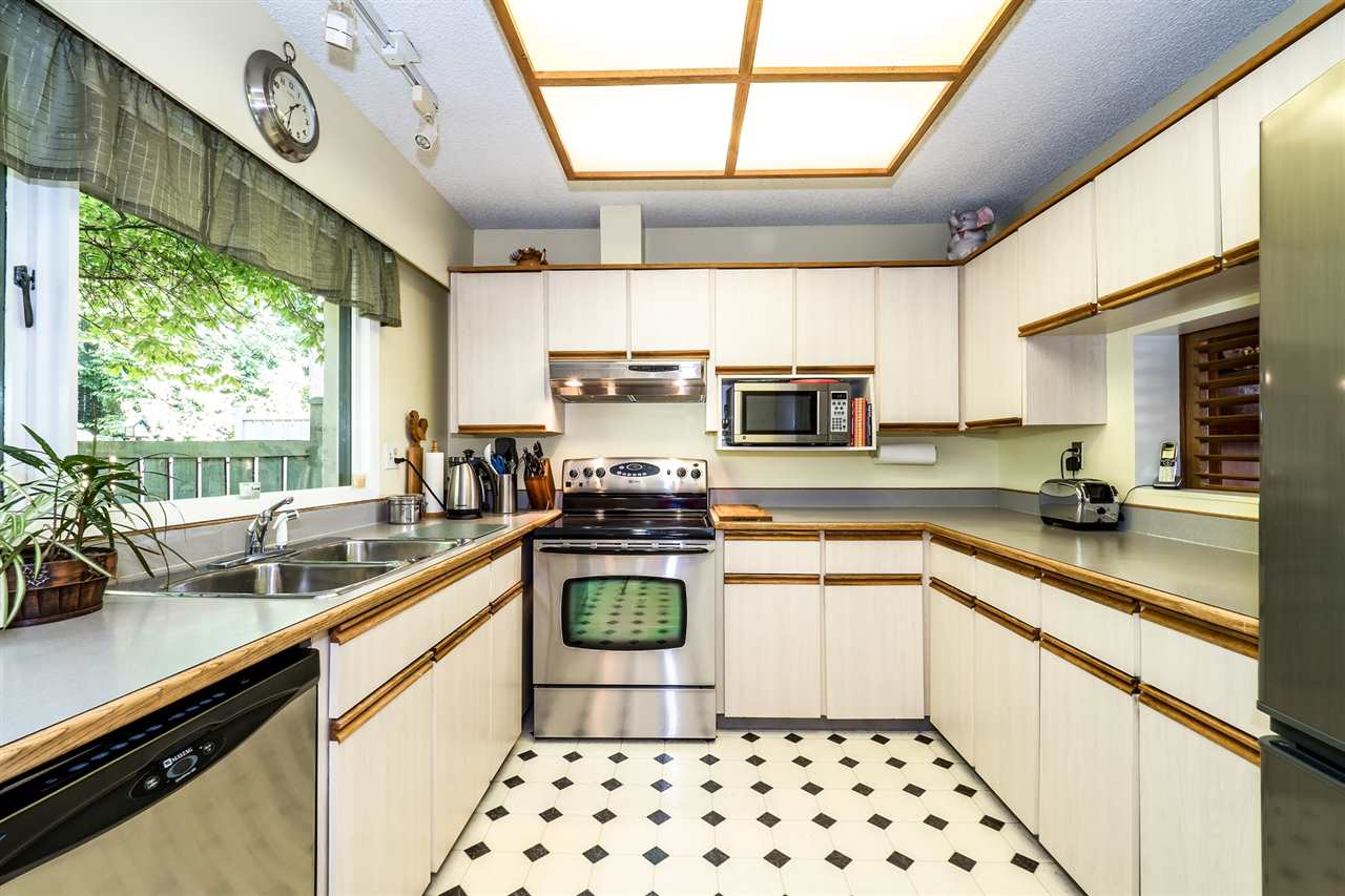 Townhouse at 1034 LILLOOET ROAD, North Vancouver, British Columbia. Image 8