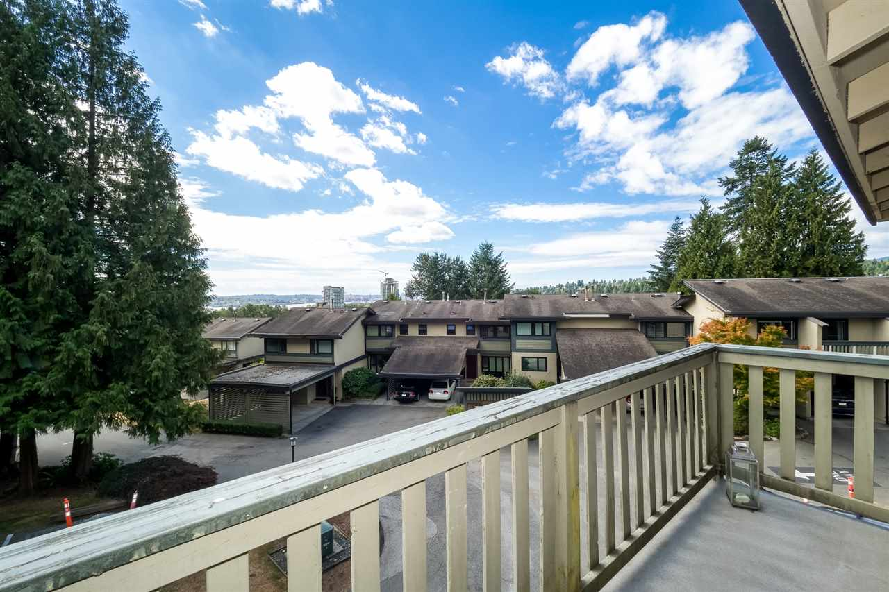 Townhouse at 1034 LILLOOET ROAD, North Vancouver, British Columbia. Image 12