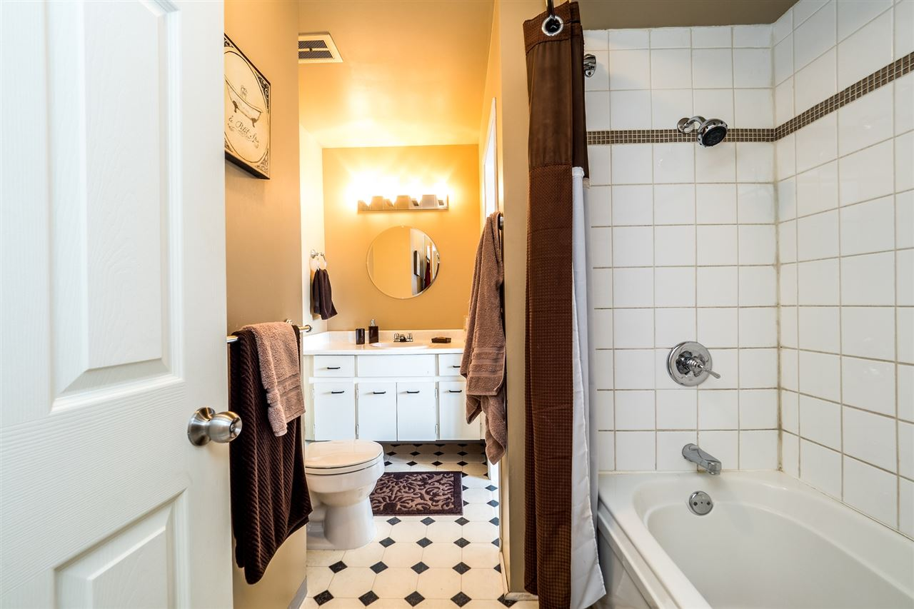 Townhouse at 1034 LILLOOET ROAD, North Vancouver, British Columbia. Image 14