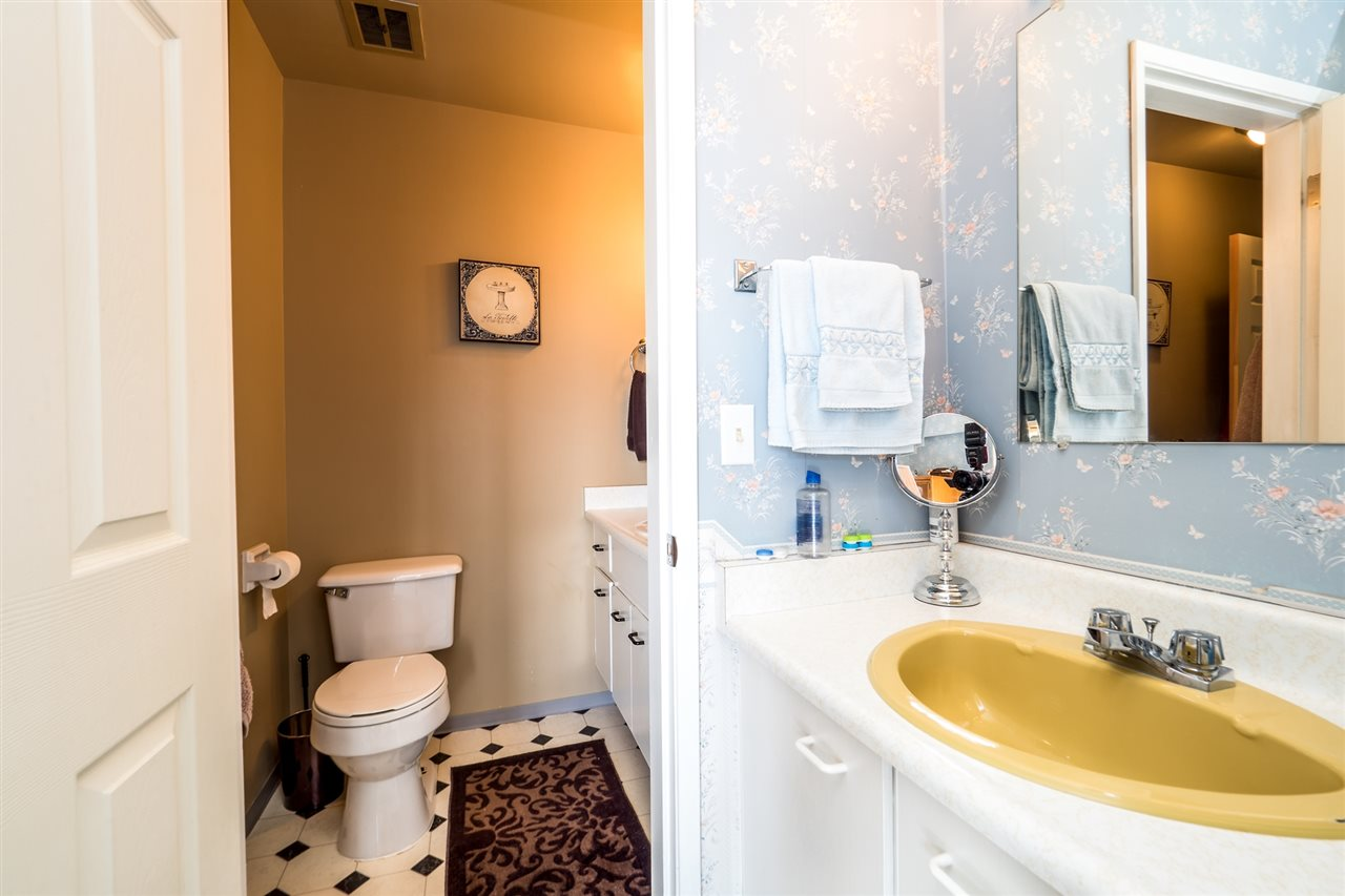 Townhouse at 1034 LILLOOET ROAD, North Vancouver, British Columbia. Image 15
