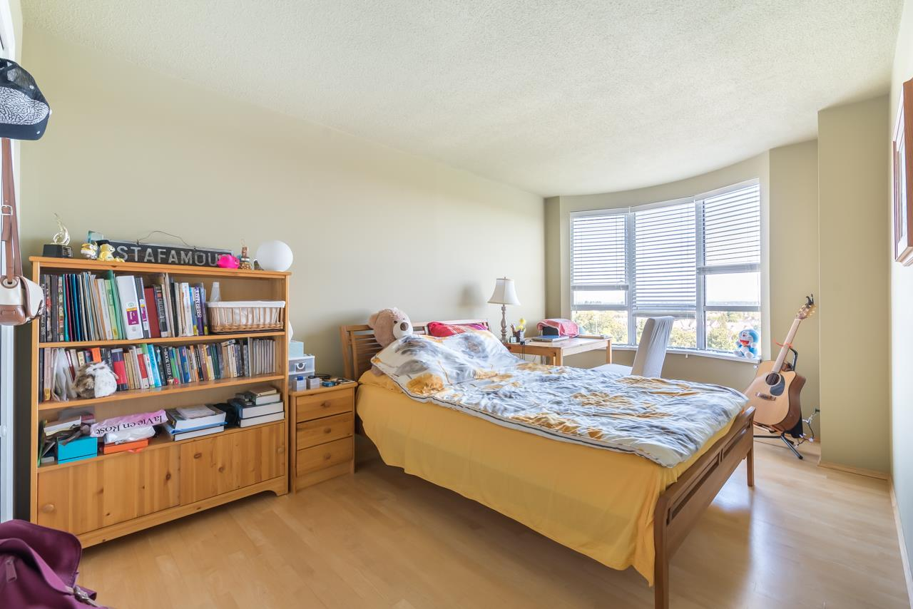 Condo Apartment at 1200 7760 GRANVILLE AVENUE, Unit 1200, Richmond, British Columbia. Image 15