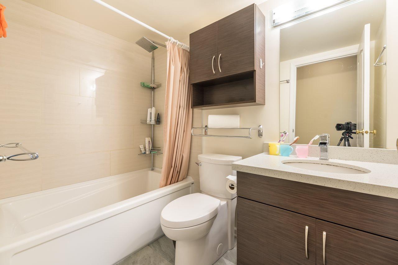 Condo Apartment at 1200 7760 GRANVILLE AVENUE, Unit 1200, Richmond, British Columbia. Image 17