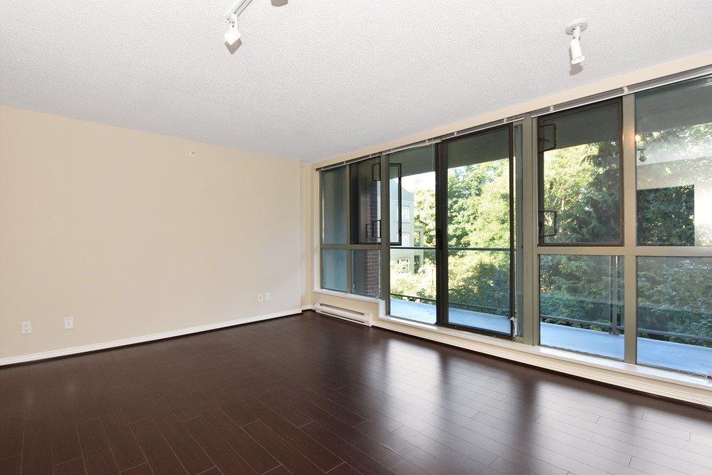 Condo Apartment at 302 5657 HAMPTON PLACE, Unit 302, Vancouver West, British Columbia. Image 3