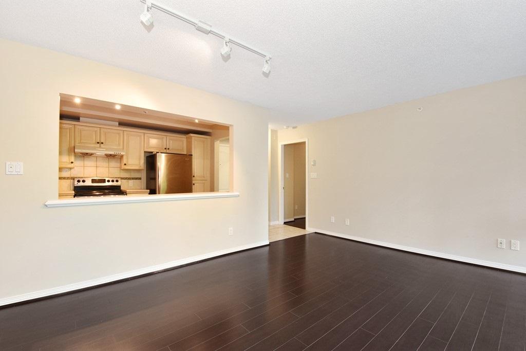 Condo Apartment at 302 5657 HAMPTON PLACE, Unit 302, Vancouver West, British Columbia. Image 4