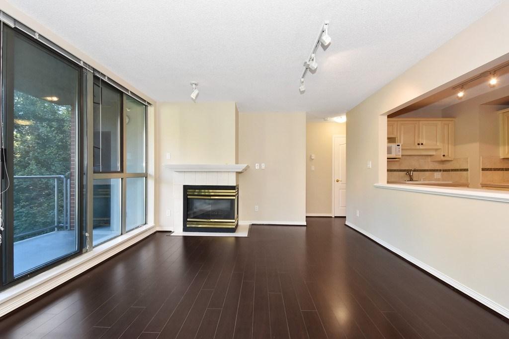 Condo Apartment at 302 5657 HAMPTON PLACE, Unit 302, Vancouver West, British Columbia. Image 5
