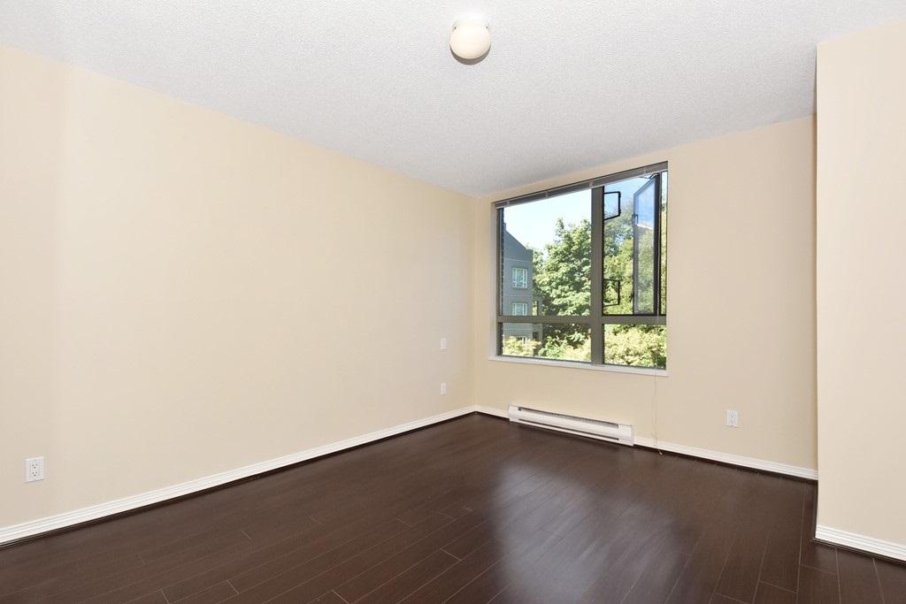 Condo Apartment at 302 5657 HAMPTON PLACE, Unit 302, Vancouver West, British Columbia. Image 8