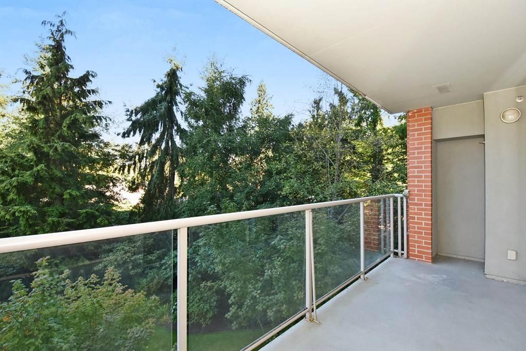 Condo Apartment at 302 5657 HAMPTON PLACE, Unit 302, Vancouver West, British Columbia. Image 12