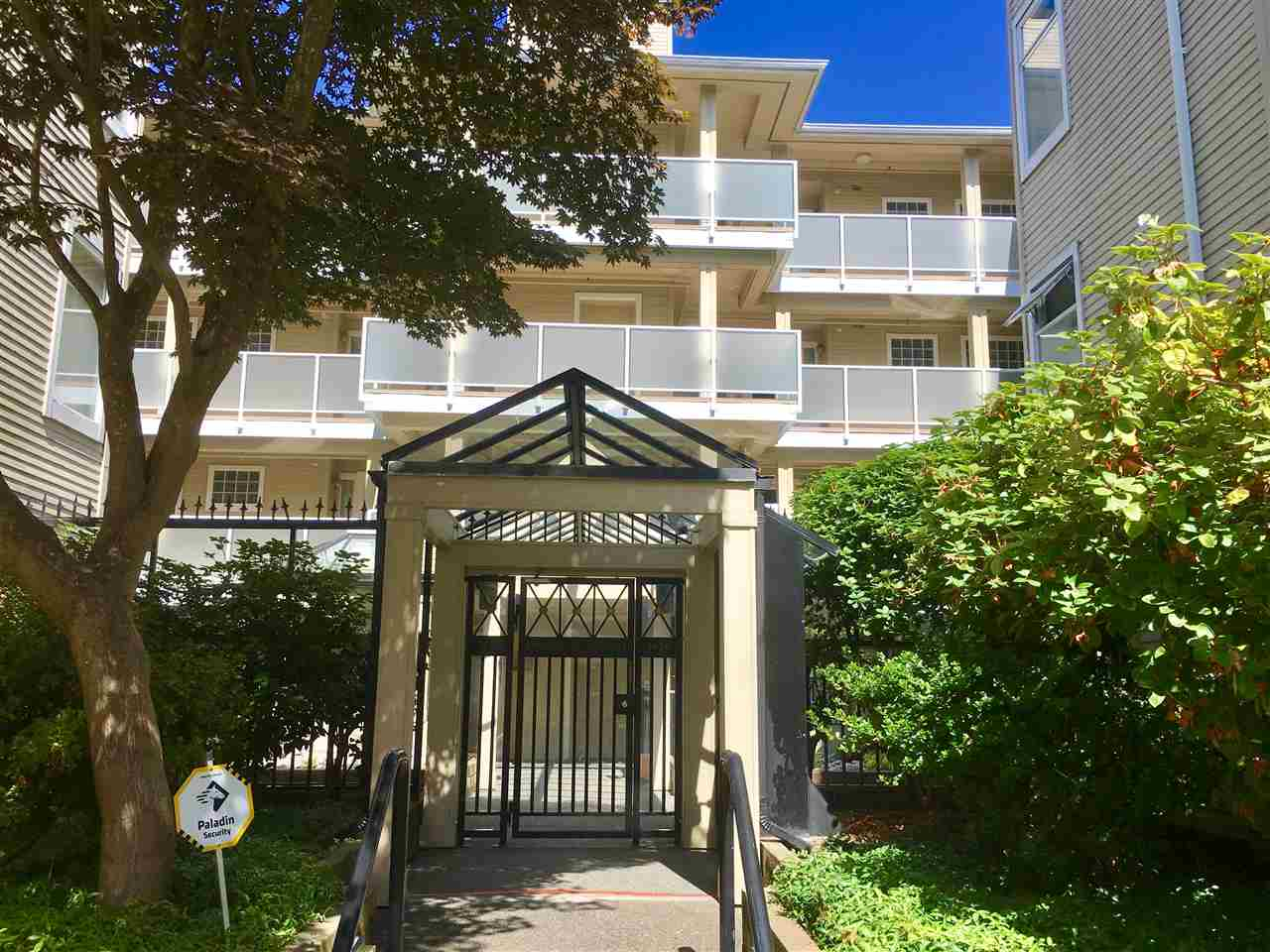 Condo Apartment at 205 7620 COLUMBIA STREET, Unit 205, Vancouver West, British Columbia. Image 1