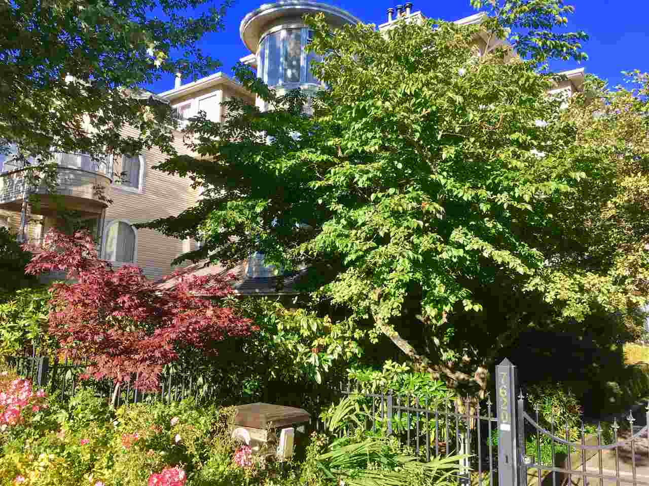 Condo Apartment at 205 7620 COLUMBIA STREET, Unit 205, Vancouver West, British Columbia. Image 2