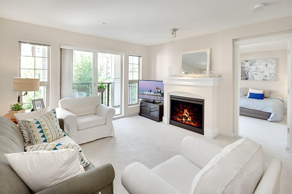 Condo Apartment at 408 2958 SILVER SPRINGS BOULEVARD, Unit 408, Coquitlam, British Columbia. Image 1