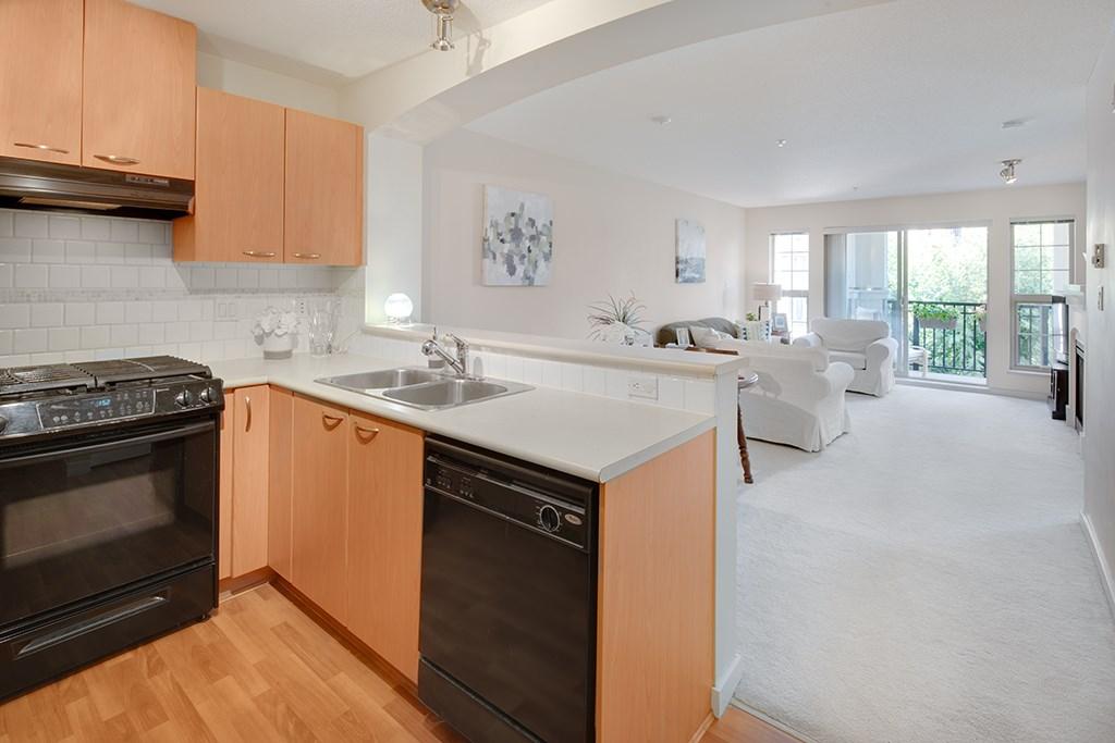Condo Apartment at 408 2958 SILVER SPRINGS BOULEVARD, Unit 408, Coquitlam, British Columbia. Image 7