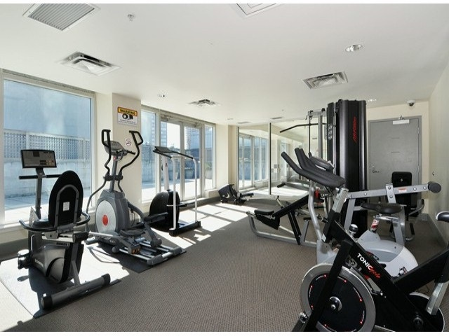 Condo Apartment at 2103 6088 WILLINGDON AVENUE, Unit 2103, Burnaby South, British Columbia. Image 5