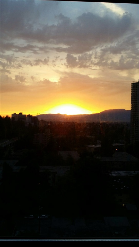 Condo Apartment at 2103 6088 WILLINGDON AVENUE, Unit 2103, Burnaby South, British Columbia. Image 20