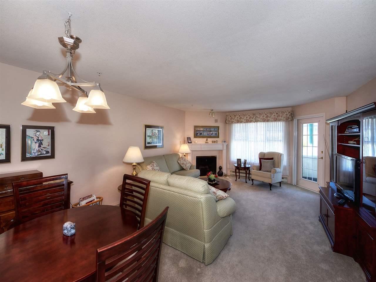 Condo Apartment at 301 1172 55 STREET, Unit 301, Tsawwassen, British Columbia. Image 2
