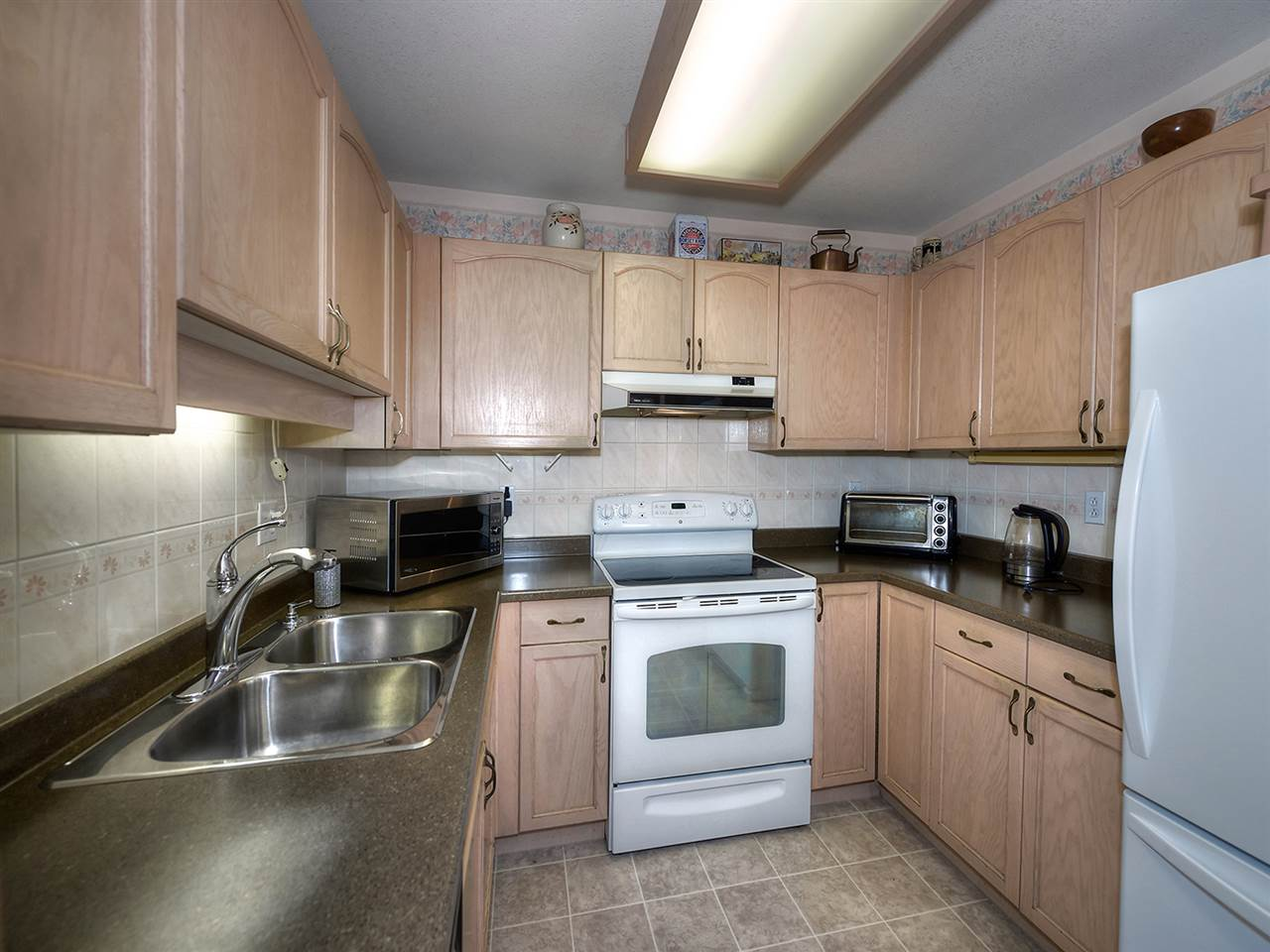 Condo Apartment at 301 1172 55 STREET, Unit 301, Tsawwassen, British Columbia. Image 10