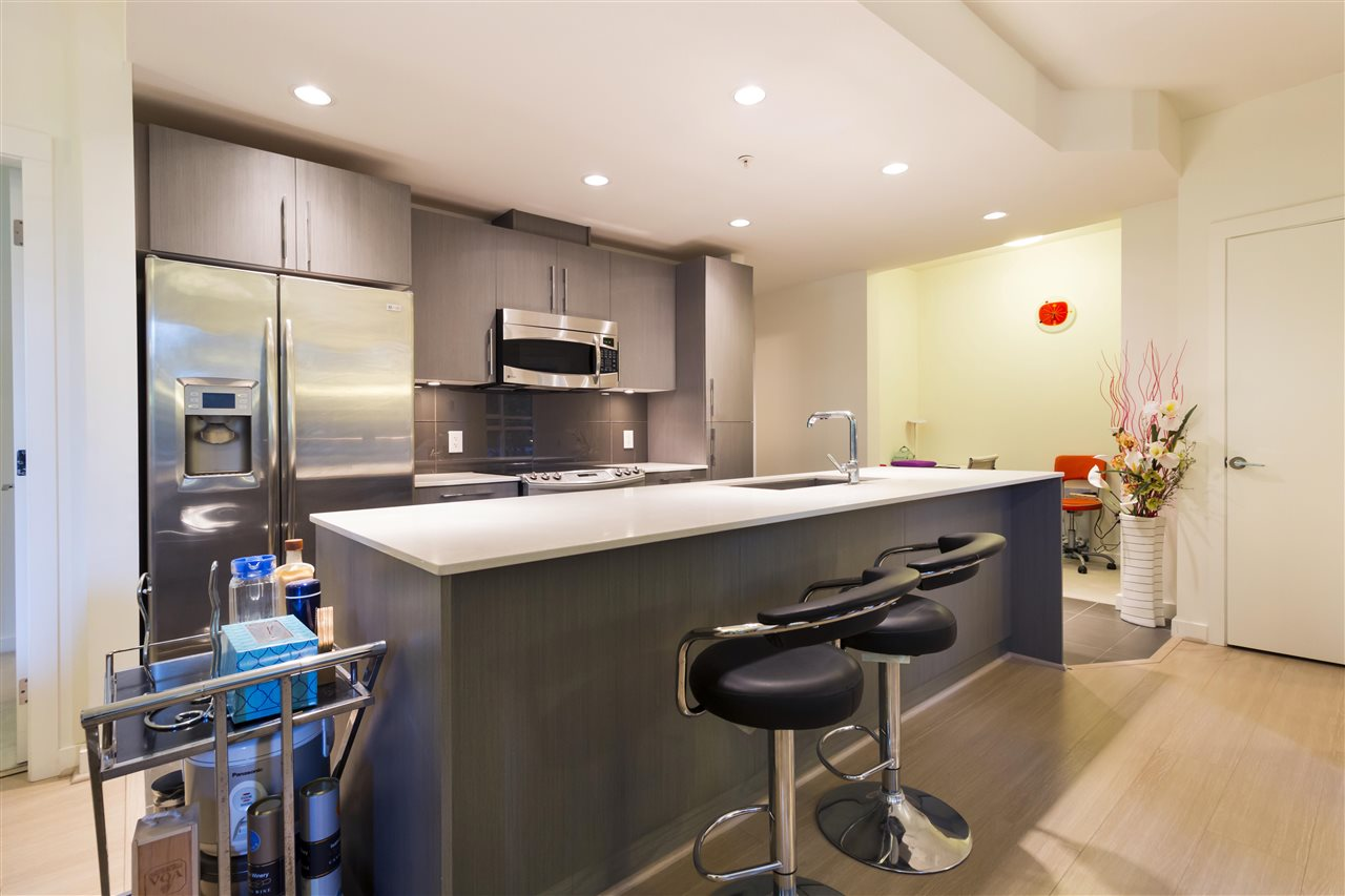 Condo Apartment at 105 3479 WESBROOK MALL, Unit 105, Vancouver West, British Columbia. Image 3