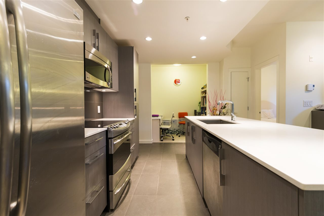Condo Apartment at 105 3479 WESBROOK MALL, Unit 105, Vancouver West, British Columbia. Image 5