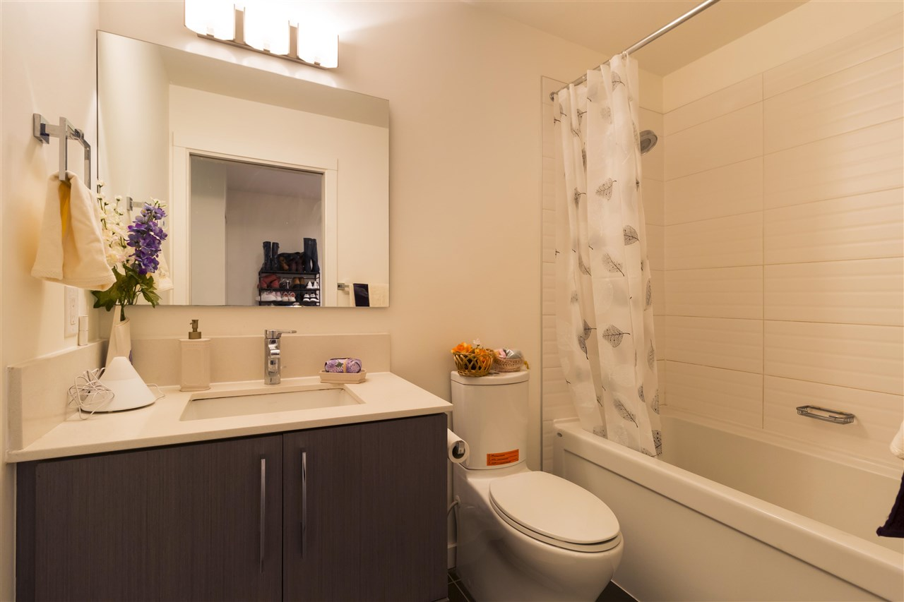 Condo Apartment at 105 3479 WESBROOK MALL, Unit 105, Vancouver West, British Columbia. Image 15