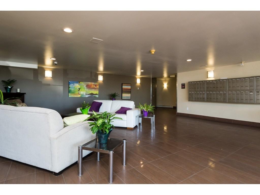 Condo Apartment at 205 15233 PACIFIC AVENUE, Unit 205, South Surrey White Rock, British Columbia. Image 2