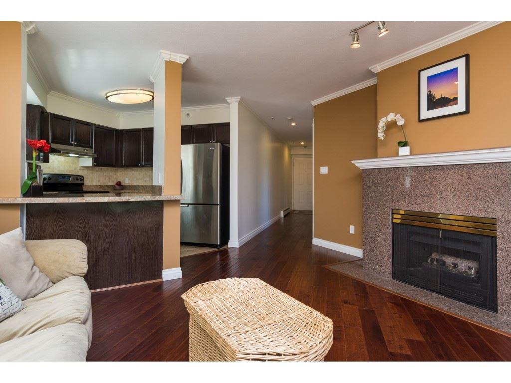 Condo Apartment at 205 15233 PACIFIC AVENUE, Unit 205, South Surrey White Rock, British Columbia. Image 3