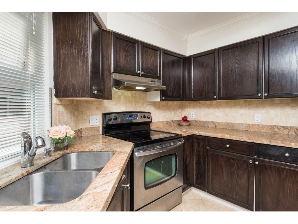 Condo Apartment at 205 15233 PACIFIC AVENUE, Unit 205, South Surrey White Rock, British Columbia. Image 9
