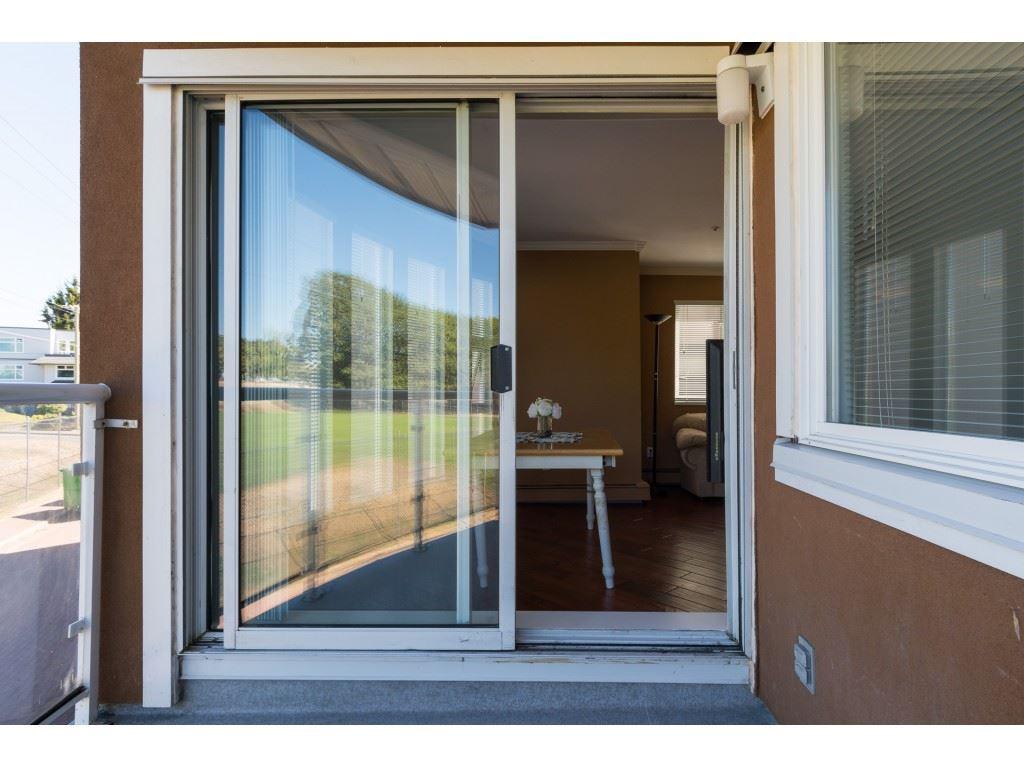 Condo Apartment at 205 15233 PACIFIC AVENUE, Unit 205, South Surrey White Rock, British Columbia. Image 17