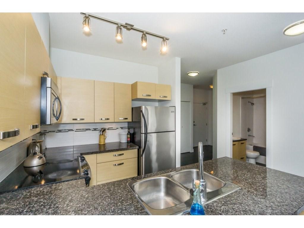 Condo Apartment at 104 33538 MARSHALL ROAD, Unit 104, Abbotsford, British Columbia. Image 4