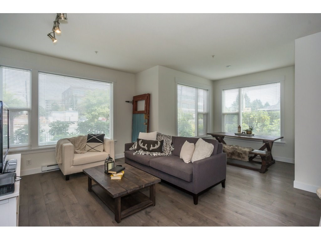 Condo Apartment at 104 33538 MARSHALL ROAD, Unit 104, Abbotsford, British Columbia. Image 7