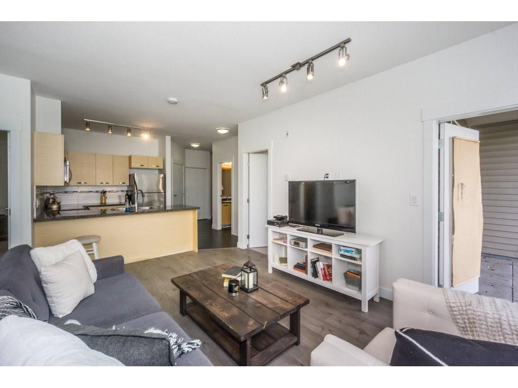 Condo Apartment at 104 33538 MARSHALL ROAD, Unit 104, Abbotsford, British Columbia. Image 8