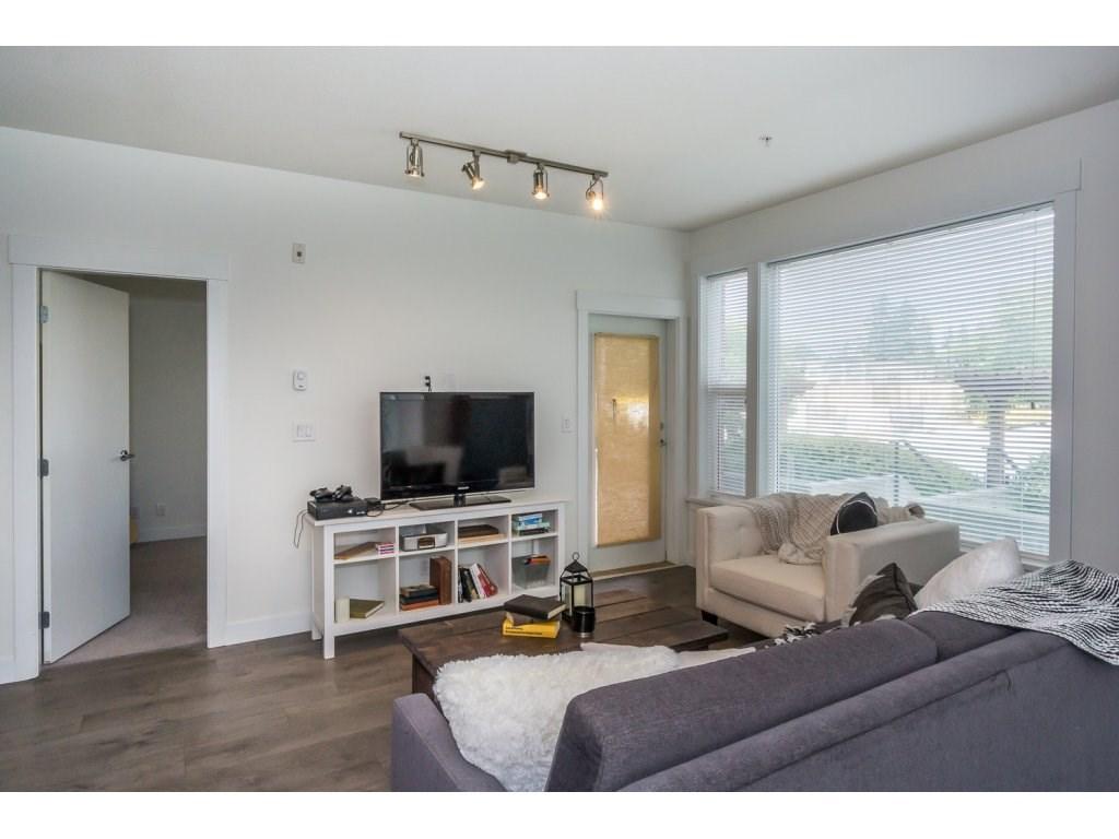 Condo Apartment at 104 33538 MARSHALL ROAD, Unit 104, Abbotsford, British Columbia. Image 9
