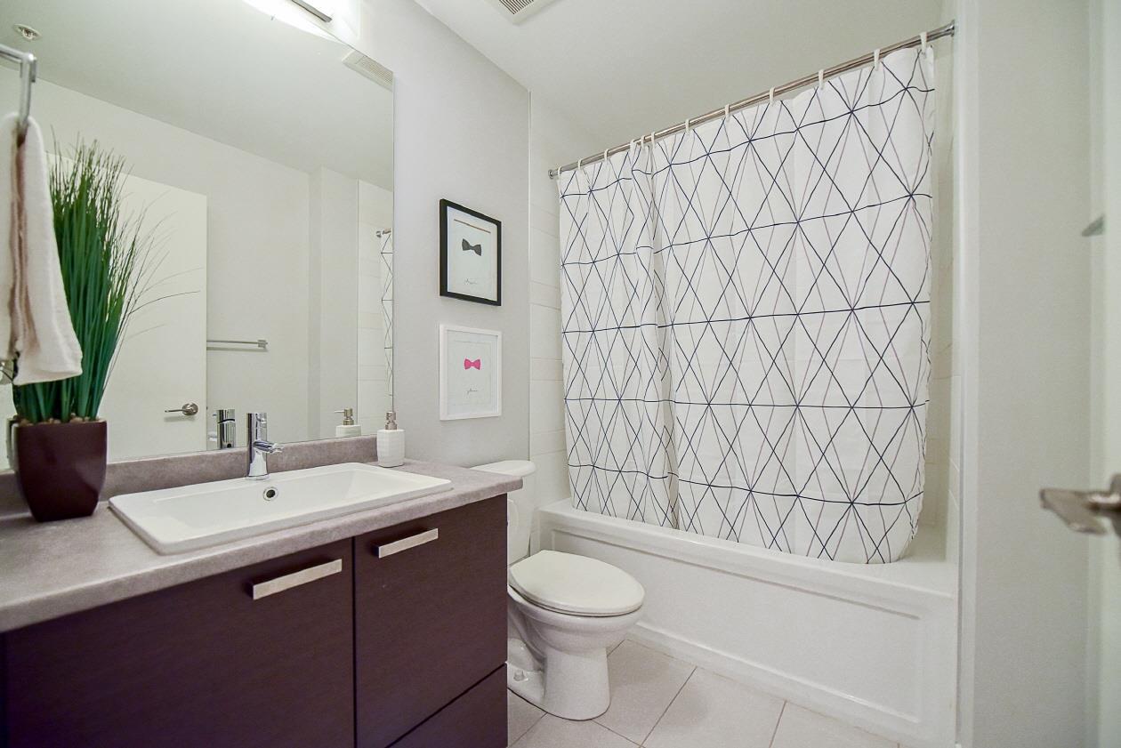 Condo Apartment at 454 6758 188 STREET, Unit 454, Cloverdale, British Columbia. Image 15