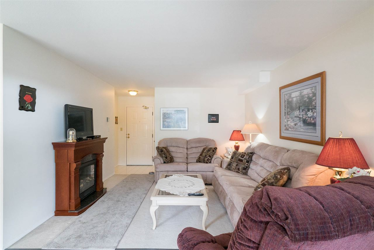 Condo Apartment at 103 32823 LANDEAU PLACE, Unit 103, Abbotsford, British Columbia. Image 4