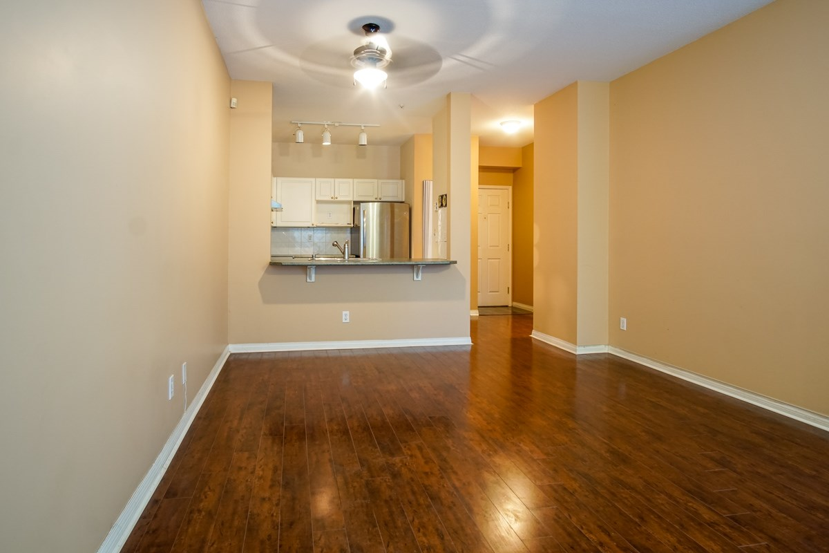 Condo Apartment at 102 13727 74 AVENUE, Unit 102, Surrey, British Columbia. Image 5