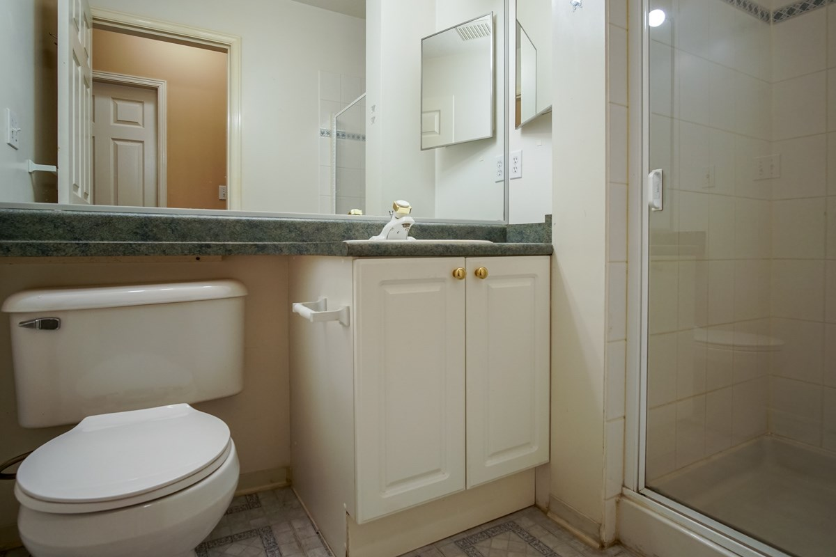 Condo Apartment at 102 13727 74 AVENUE, Unit 102, Surrey, British Columbia. Image 12