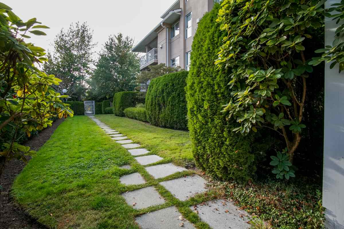 Condo Apartment at 102 13727 74 AVENUE, Unit 102, Surrey, British Columbia. Image 20