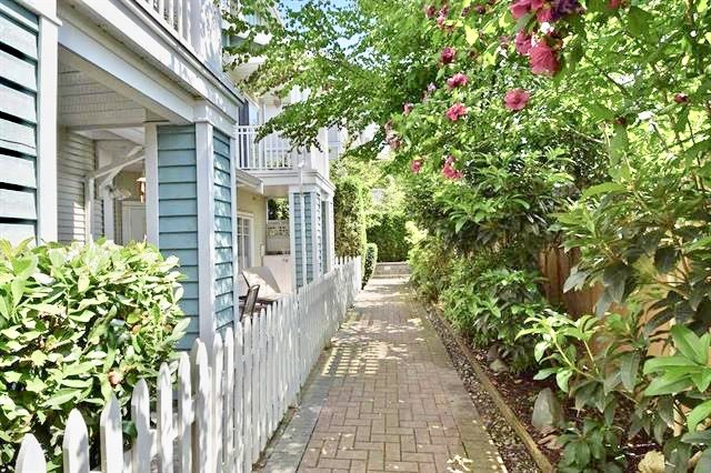 Townhouse at 8 123 SEVENTH STREET, Unit 8, New Westminster, British Columbia. Image 2
