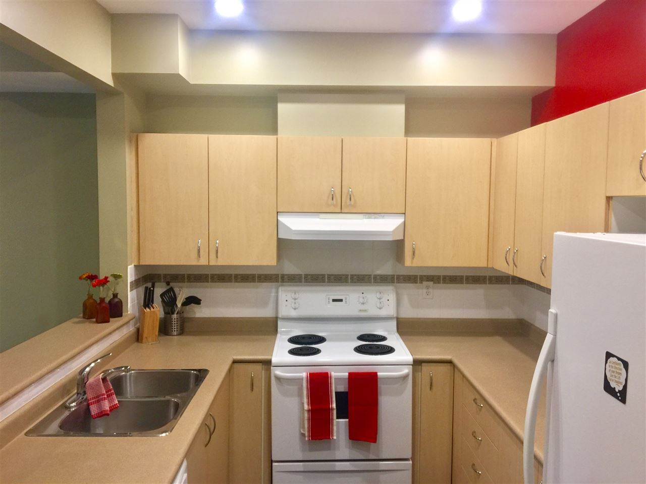 Townhouse at 8 123 SEVENTH STREET, Unit 8, New Westminster, British Columbia. Image 12